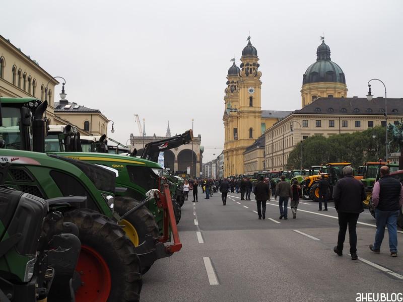 Traktoren, Teatinerkirche