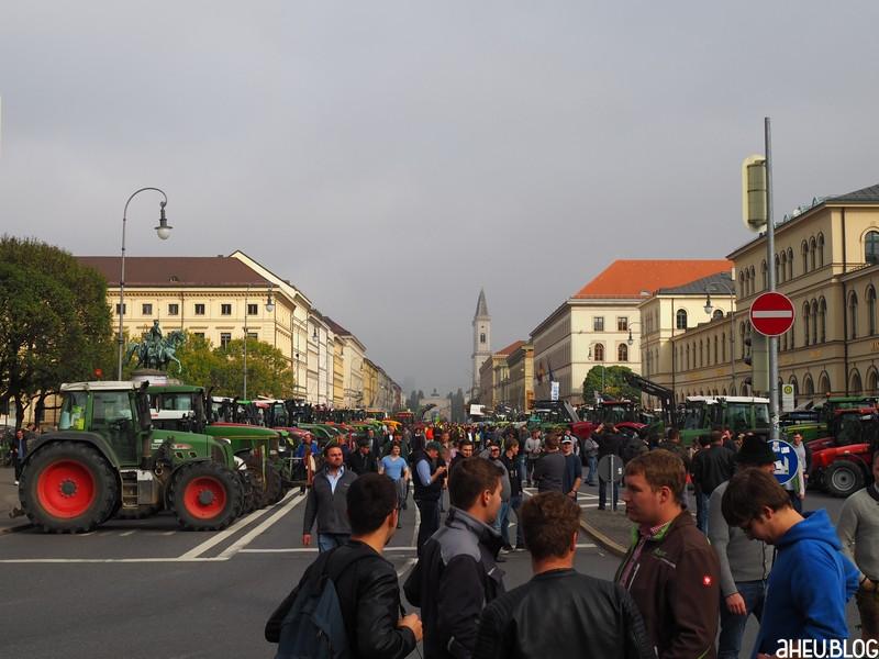 Ludwigstraße Traktoren Landwirte
